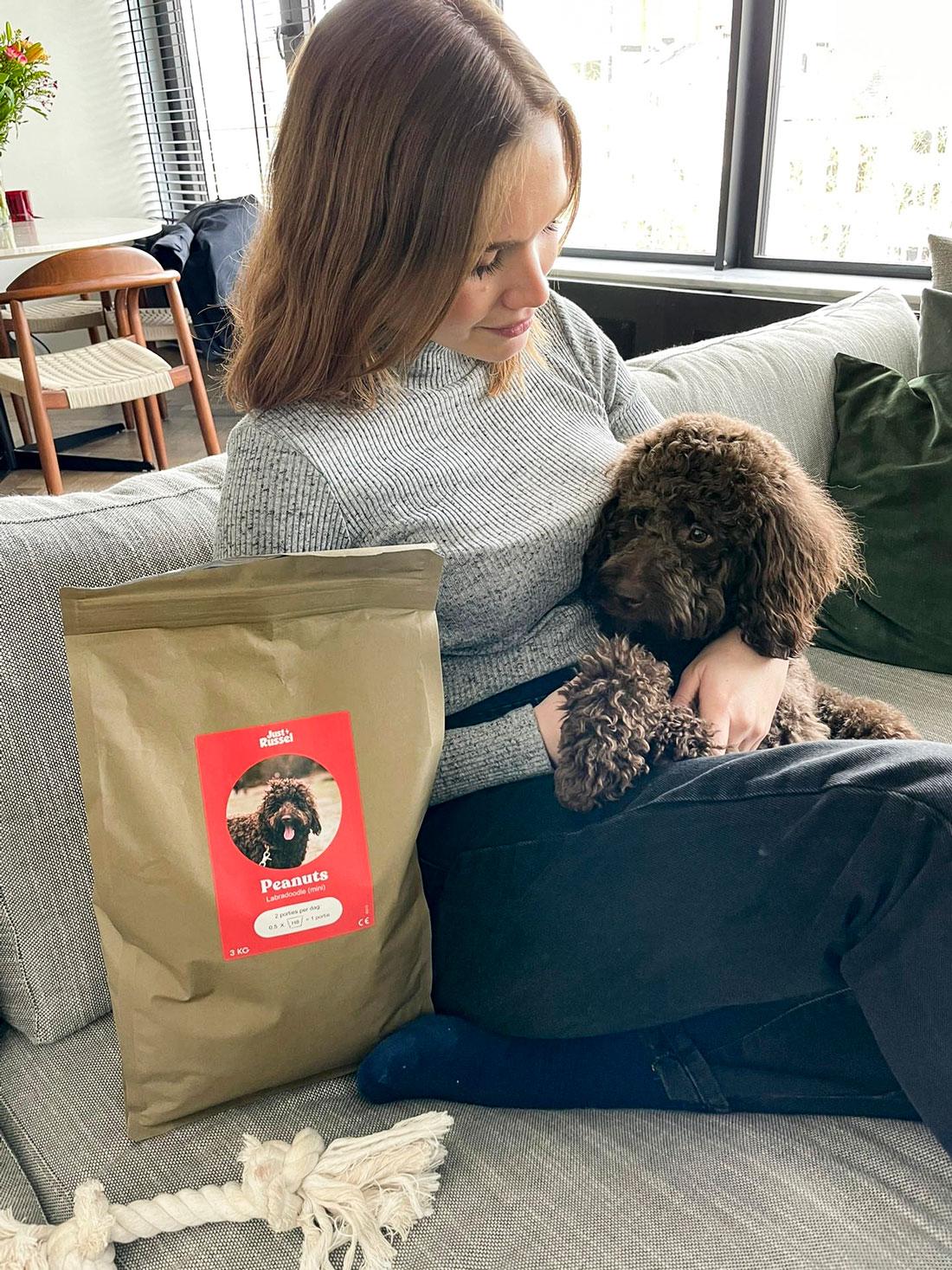 just-russel-hondenvoeding-labradoodle-ervaring